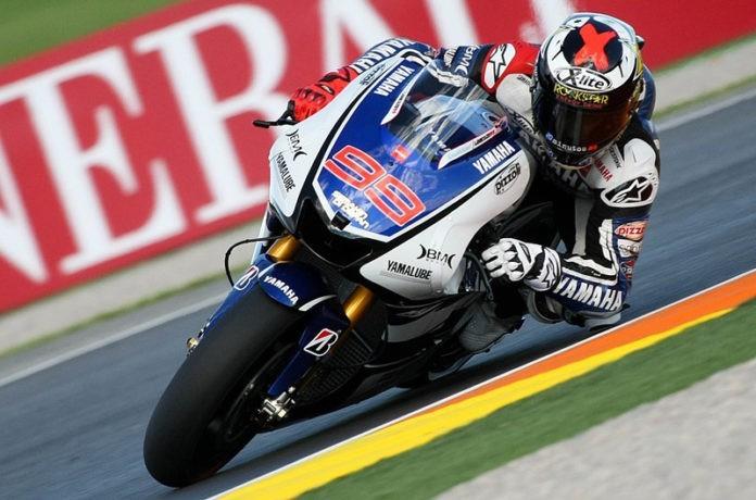Jorge Lorenzo pilotando para Yamaha