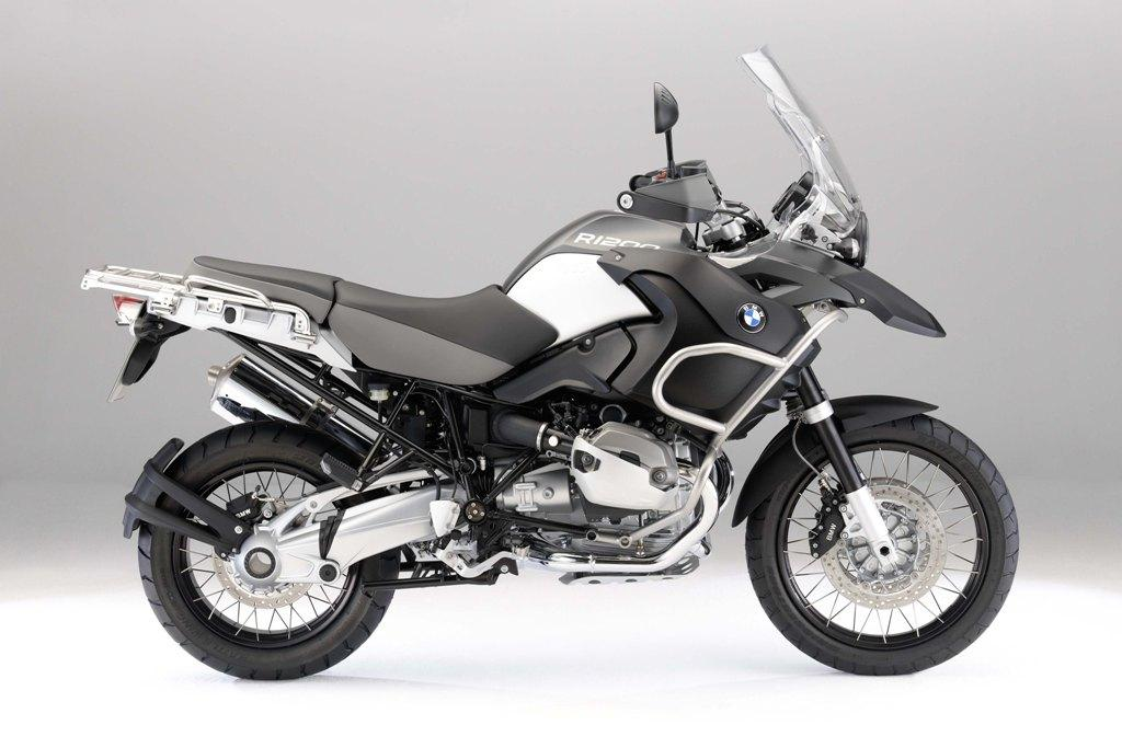 Video: 2010 BMW R1200GS in action | MCN