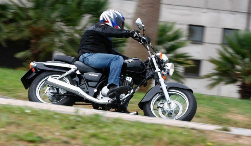 Precio y ficha técnica de la moto Suzuki Intruder M800