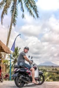 Ir en chanclas en la moto