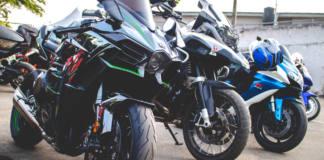 Circular con tu moto en grupo