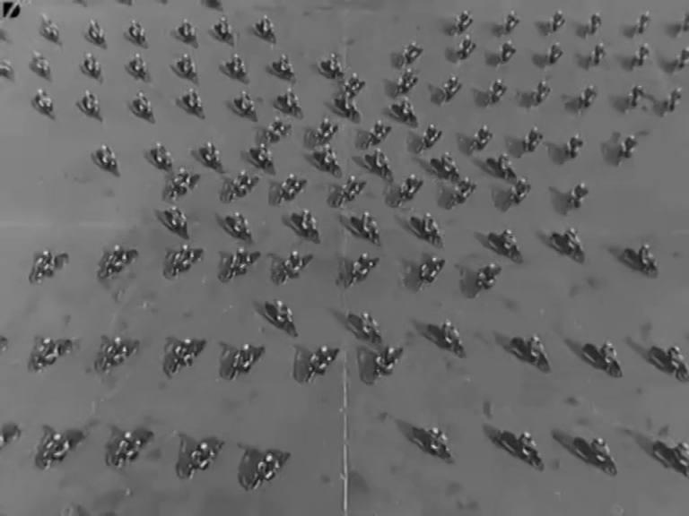 VIDEO | Exhibición policía italiana en moto años 50