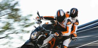 Cómo ir de pasajero en una moto deportiva