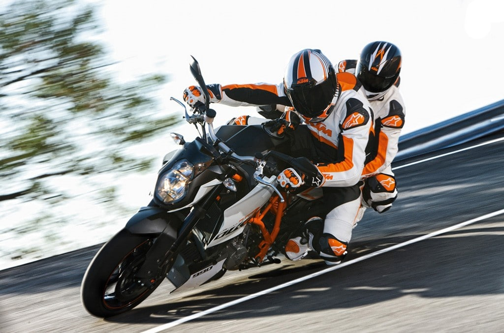 Consejos para ir de pasajero en una moto deportiva
